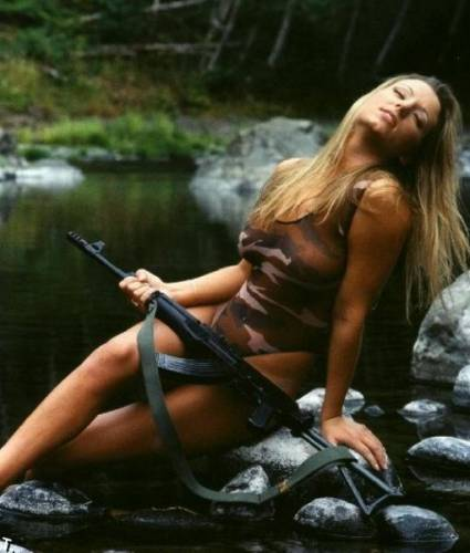 girls_with_guns_15